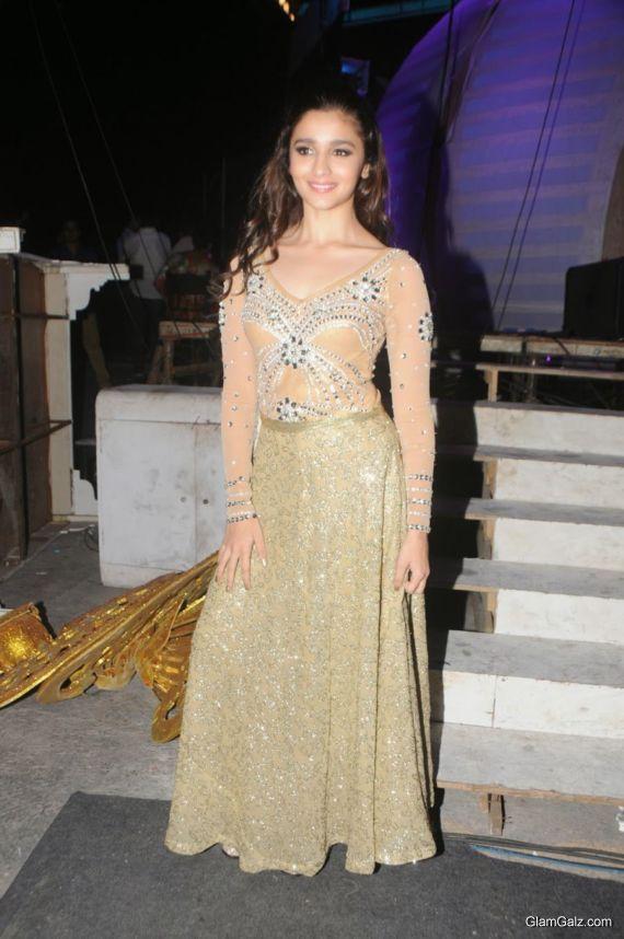 Alia Bhatt At International Indian Achievers Award