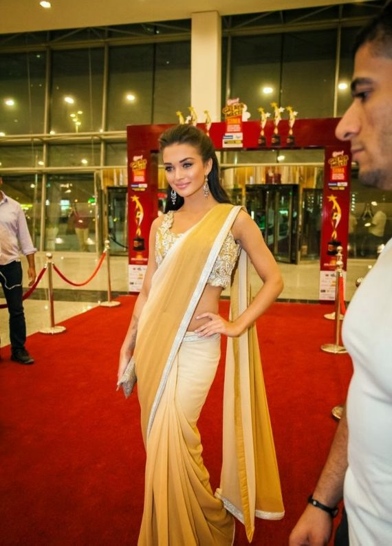 Gorgeous Amy Jackson At SIMMA Awards