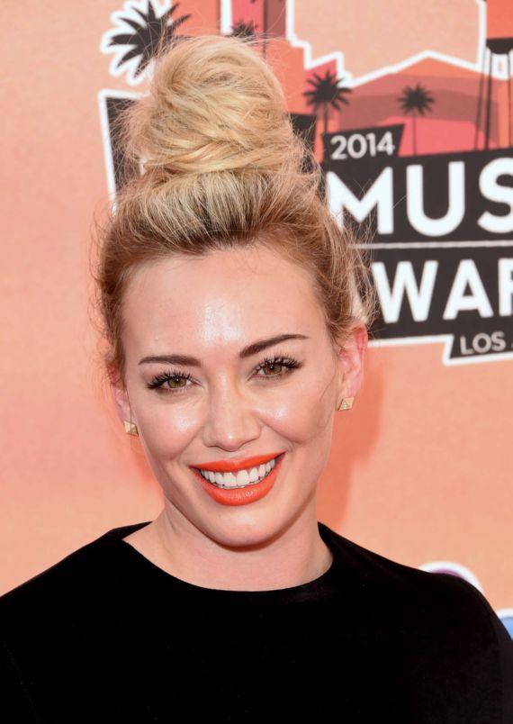 Hilary Duff At 2014 iHeartRadio Music Awards