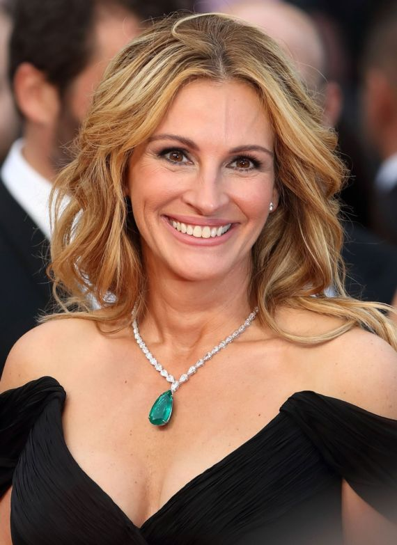 Julia Roberts Walks At Cannes Red Carpet 2016