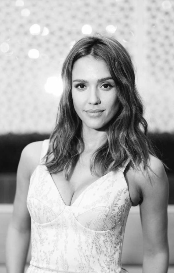 Jessica Alba For InStyle Cover Dinner 2016 In New York