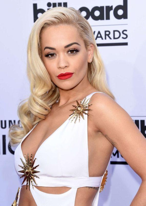 Rita Ora In New Wardrobe At Awards Function