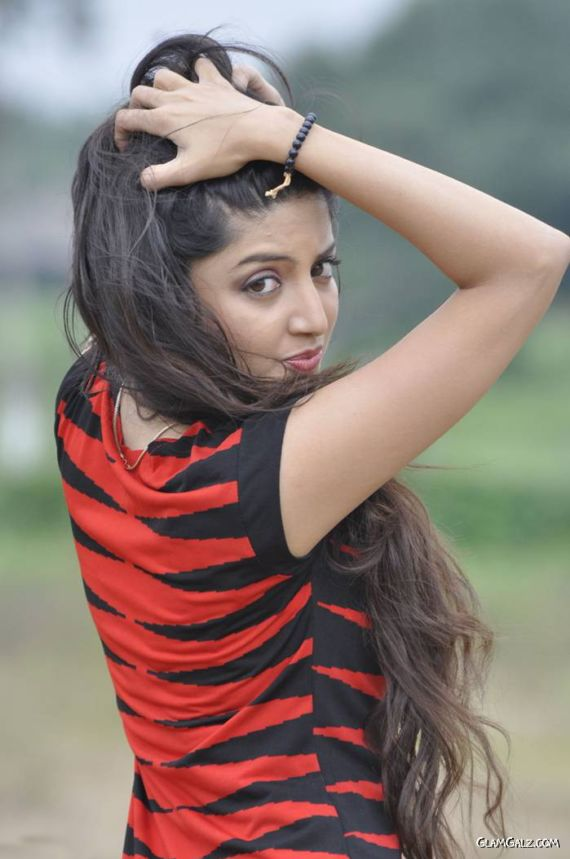 Poonam Kaur Exclusive Photo Gallery